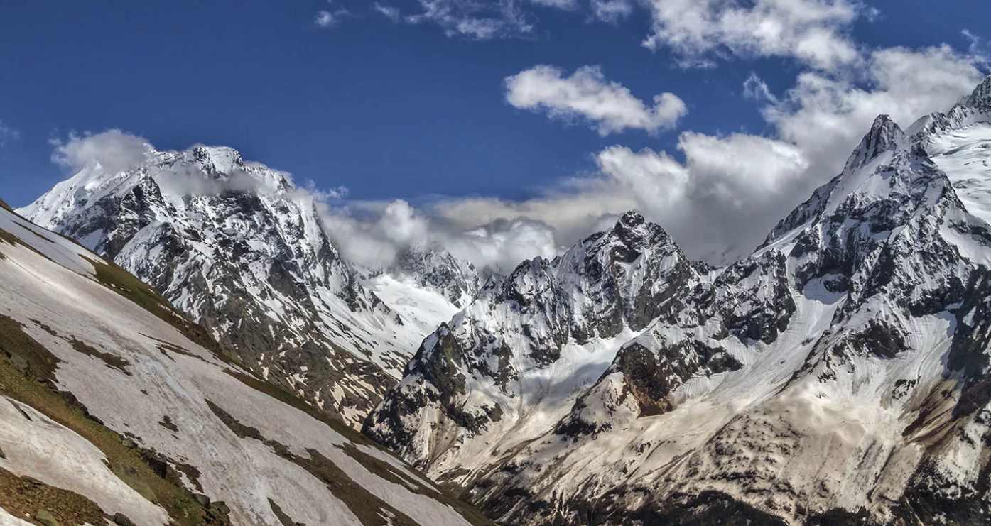 Горы Кавказа восхищают своим величественным великолепием