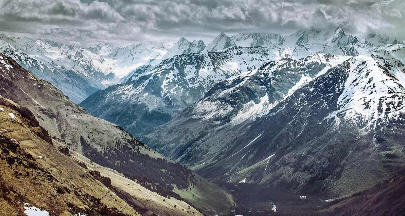 Могучие горы Кавказа
